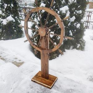 Деревянный штурвал - декоративный